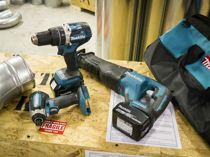 The Makita XT328M 3-piece combo kit balance features and price without giving up performance in this brushless set featuring a hammer drill, impact driver, and Recipro Saw.   https://www.protoolreviews.com/tools/power/cordless/drills-drivers-cordless/makita-xt328m-brushless-combo-kit/35986/  #Makita #reciprocatingsaw #hammerdrill #impactdriver #tools #brushless