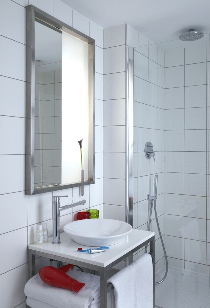 Small White Bathroom Ideas Adorable Best 25 Small White Bathrooms Ideas On Pinterest  Grey White Inspiration Design