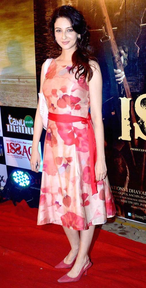 Saumya Tandon at the Issaq premiere #Bollywood #Fashion