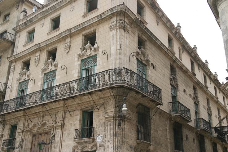 Calle de Los Oficios in Cuba, La Habana