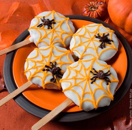 Halloween Fun & Yum: Spider Cookie Pops Halloween Fun & Yum: Spider Cookie Pops