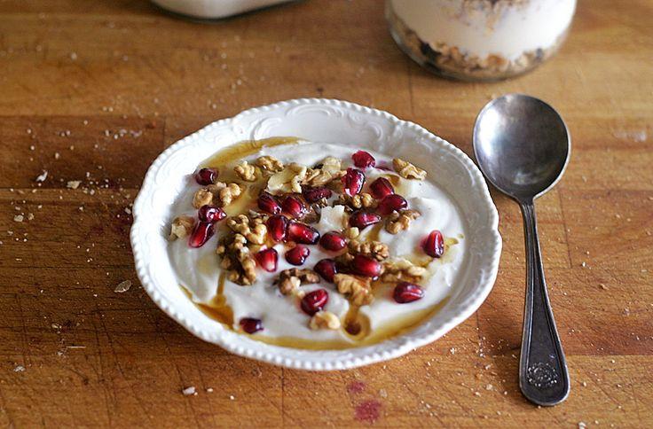 vyrobit si doma chutný, hustý a smetanový veganský jogurt není naštěstí nič těžkého | Veganotic