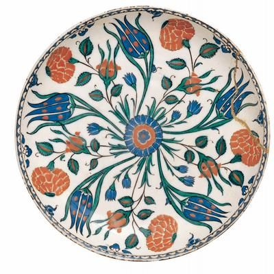 TURKEY, IZNIK Ottoman period 1290-1922 Turkey Dish, with tulips and poppies 16th century, Iznik earthenware, glaze decoration