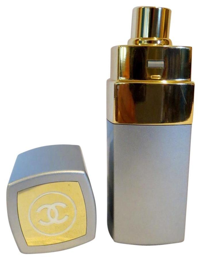 Chanel No.19 Paris 1.7oz s Eau De Toilette Perfume Spray Refillable. Free shipping and guaranteed authenticity on Chanel No.19 Paris 1.7oz s Eau De Toilette Perfume Spray Refillable at Tradesy. CHANEL No.19 Paris 1.7 Fl. Oz /50 ML Eau  de Toili...