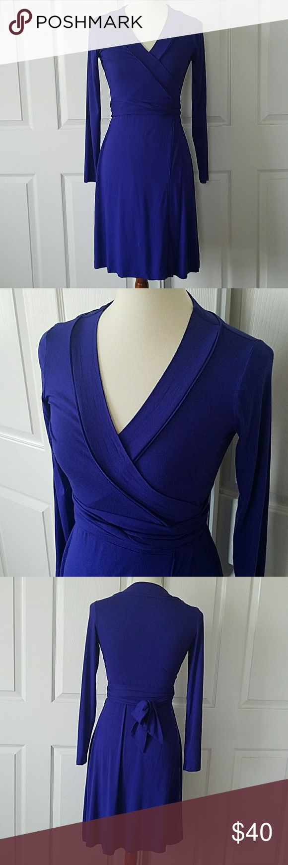 Banana Republic Cobalt Blue Wrap Dress XSP Brand: Banana Republic Size: XSP (XS petite) [Can fit up to size S due to full adjustability] Color: beautiful cobalt blue  This amazing dress can take you from work to cocktails! Fully adjustable tie/sash makes the dress fit to your body perfectly. Tie in the front for a sassy touch or on the back for a classic look. Looks amazing with nude heels and a classic red lip 💄💋 Banana Republic Dresses
