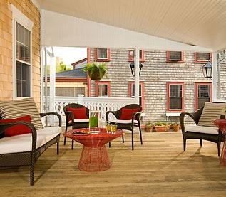 THe front veranda at THe Veranda House, Nantucket.