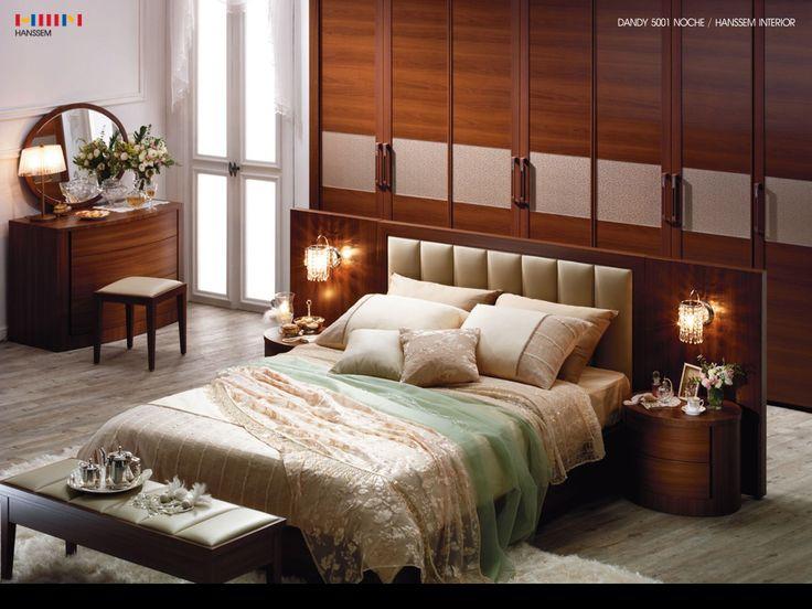 gray hardwood floor boards?: Interior Design, Design Techniques, Idea, Genuine Tuscan, Style, Bedrooms, Tuscan Ambiance, Ambiance Utilizing, Bedroom Interiors