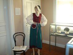 Rauman kansallispuku - The traditional dress of Rauma, my home town, famous for it's lace headpiece