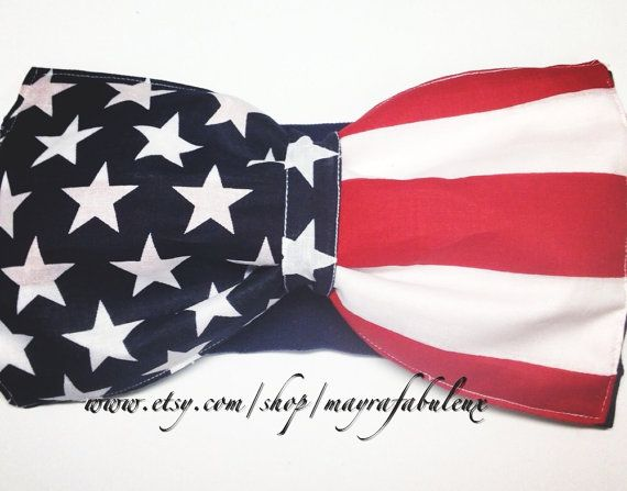 American flag bow bandeau. This and a pair of waste high jean shorts for the 4th of july! I want this ASAP!