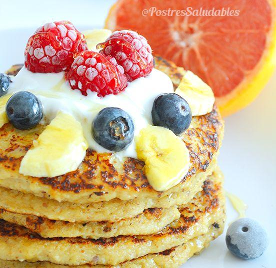 Pancakes de Yogurt griego y avena una receta fácil y muy nutritiva, ideal para un desayuno cargado de energía.