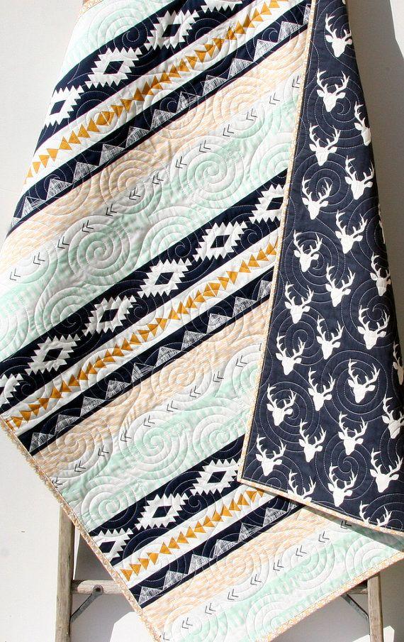 Couette bébé cerf, Aztec literie moderne, lit lit bébé crèche sud-ouest de l'Arizona Woodland Buck bambin menthe or bleu marine garçon jeunesse couverture