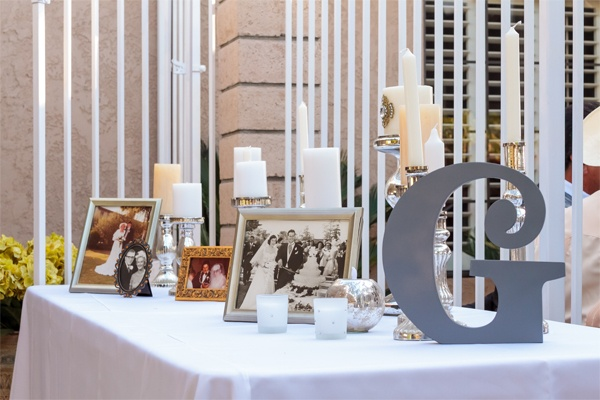 cute for a sign-in table, via http://www.acharmingoccasionblog.com/ #ELV #deets