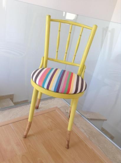 Silla reciclada/restaurada, original para darle un toque divertido a un escritorio o para muchas otras opciones.