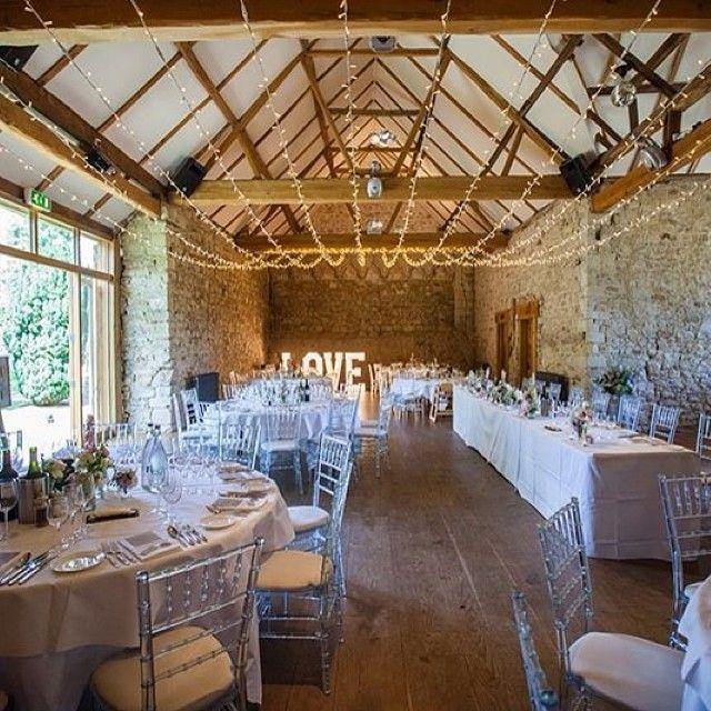 Great capture @binkynixon @sallyforder I loved this room #thebandrwedding #notleyabbey #weddingbreakfast #fairylights #flowers #weddingday #love
