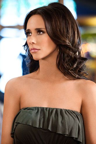 Jennifer Love Hewitt, love her with dark hair!