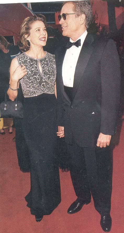 Annette Bening in Escada at the 1999 Oscars
