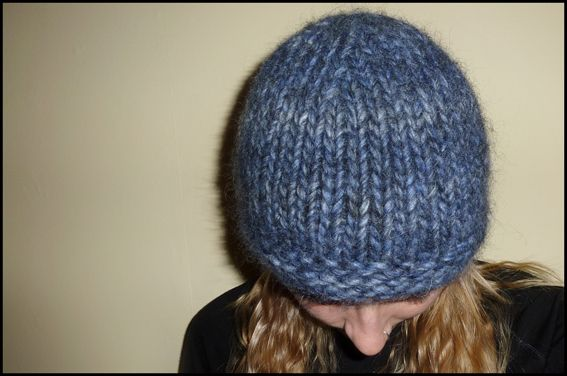 Knitting Hat Patterns Round Needles : free hat knitting pattern chunky beanie size 15 30cm ...