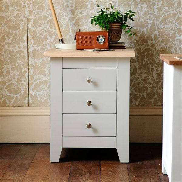 The 25 best 3 drawer bedside table ideas on pinterest for White bedroom furniture with pine tops