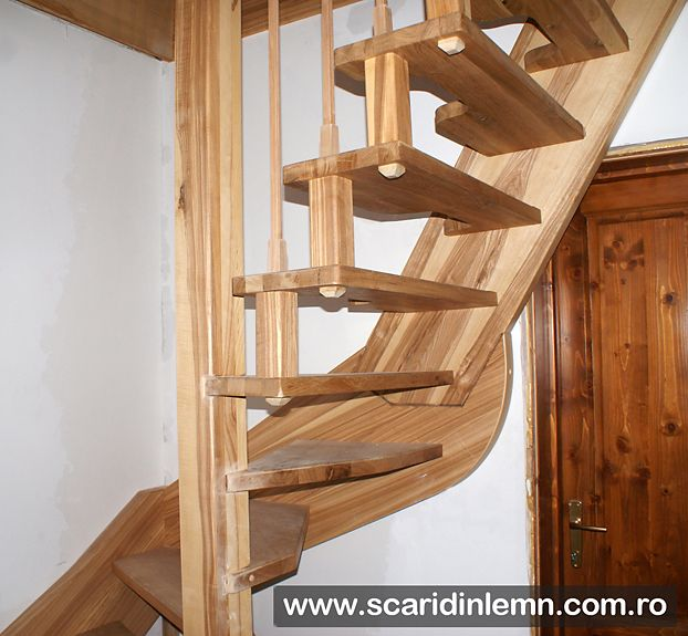 scara interioara din lemn masiv pret mic scara economica cu pas combinat