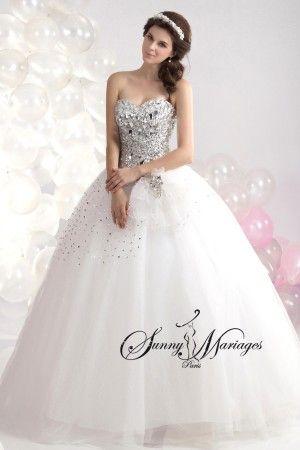 robe de mariee princesse avec bustier en cristaux ou strass