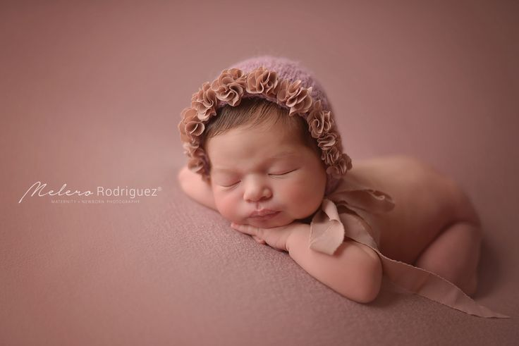 Malena <3 Con sus 8 días vino a nuestra Newborn Posing Class Gracias Roxana Salvucci por ser parte y prestarnos a esta belleza por un ratito! melero rodriguez newborn photography © 2016 #workshopfotografianewborn #melerorodriguez #newbornphotography
