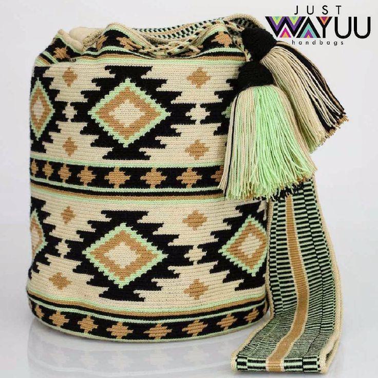 277 отметок «Нравится», 1 комментариев — Just Wayuu (@just.wayuu) в Instagram: «Handcrafted handbags made by indigenous wayuu in the north of Colombia. Worldwide shipping. PayPal…»