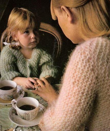 La Mercerie du Faubourg adore ce gilet à tricoter d'une pièce, la brassière liseuse du magazine 100 idées de 1974 ! Facile, rapide, indémodable... Voici les explications pour taille 38-42, 4 ans, 8 ans...