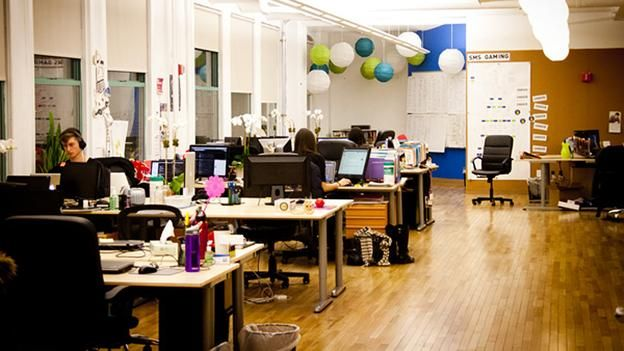 BBC - Capital - Rubbish, chatter, squatters: The open office dark side
