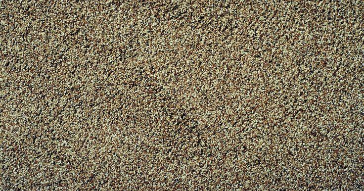 La técnica para aplicar una textura de arena en la pared. La textura de arena le da gravilla y aspereza a la superficie de una pared. La textura se aplica para añadir carácter y un atractivo visual a la pared. La arena puede camuflar las imperfecciones del muro en seco, incluyendo las grietas y los agujeros. Se encuentran disponibles una variedad de productos sintéticos de arena en muchas ferreterías o ...