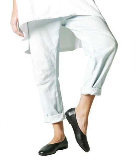 日本初上陸!スペインのシューズブランドDeux Souliers / ドゥ・スーリエのTender Slipper #1 レザースリッポン (ブラック)。 #DeuxSouliers #ドゥスーリエ #スペイン #spain #スニーカー #トレーナー #sneaker #trainer #ストライプ #stripe #shoes #シューズ #ブランド #インポート #スリッポン #パンプス #レザー #シューズ #靴 #靴職人 #ブーティ #ブーツ #ブラック #black #drdenim #ドクターデニム #ootd #outfit #outfitoftheday #コーデ #コーディネート #commedesgarcons #コムデギャルソン #リンネル #ナチュラル #fashion #ファッション #レディース #メンズ