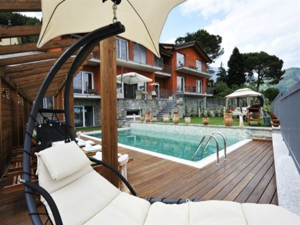 Luxe villa met privé zwembad in een gezellig dorp aan het Comomeer
