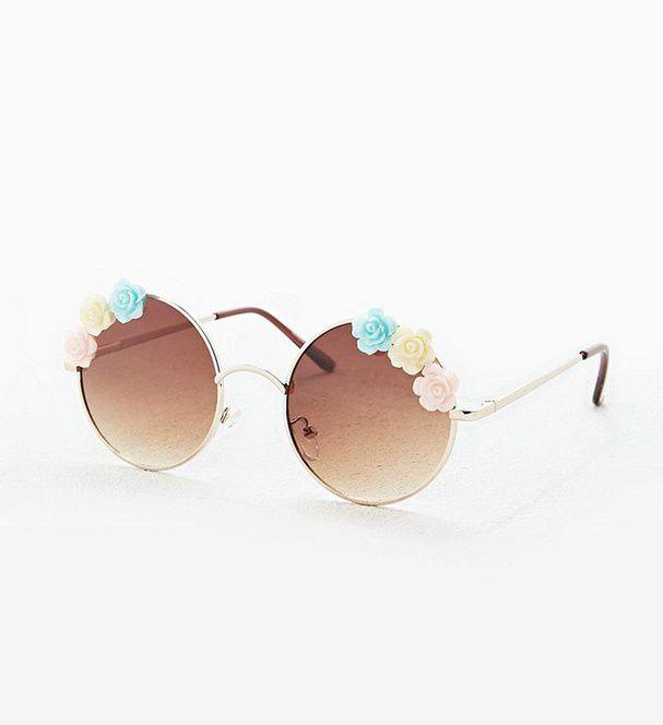 Des lunettes de soleil fleuries