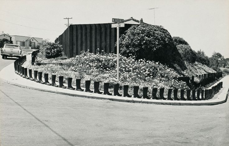 Eleanor Antin, 100 Boots series