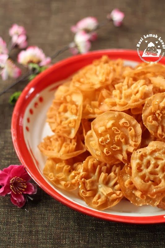 Crispy rose cookies recipe