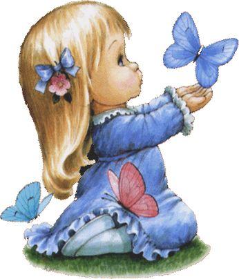 fille agenouillée avec un papillon 42