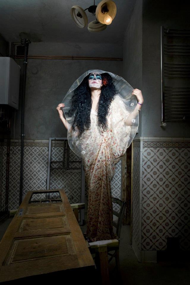 foto- Corina Olaru, stilist Laura Vargalui, hairstyle Geta Voinea, make-up Nicoleta Timus,model-Ana Gheorghe,