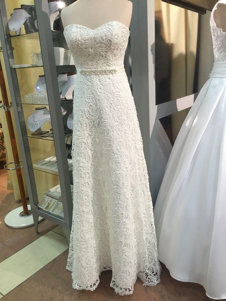 One of a lot of beatiful  bride dress in our salon❤️   Jedna z wielu pięknych sukien ślubnych z naszego salonu❤️