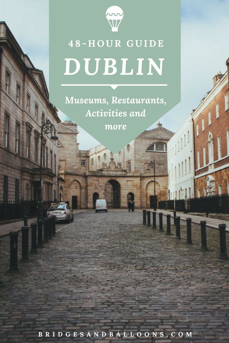 A weekend guide to the best things to do in Dublin, Ireland. Must see sites include the Guinness Storehouse, Temple Bar, The Old Library and Book of Kells and more + best places to find Vegetarian food and restaurants / pubs in the city and top hotels in the city. Travel in Dublin, Ireland. | Bridges and Balloons #Dublin #Ireland
