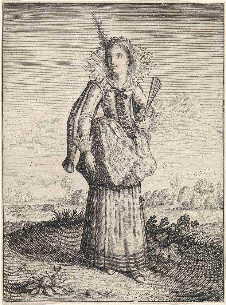 Dirck Hals   Elegante dame met hoofdtooi met veer, Dirck Hals, Jacob Matham, 1619 - 1623   Staande vrouw in landschap, gekleed volgens de mode van ca. 1620. Ze draagt een kostuum met siermouwen en een verticaal opengeslagen waaiervormige kraag, afgezet met kant. Halsdoek in decolleté van het lijfje, dat met rijen knoopjes is versierd. De rok is opgeslagen. In haar linkerhand een half geopende waaier. In het korte kapsel een haarband met veer.