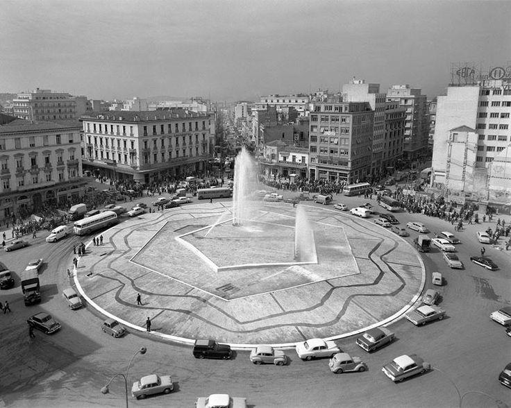 Δημήτριος Χαρισιάδης, 1959, Αθήνα, κυκλική πορεία στην Πλατεία Ομονοίας