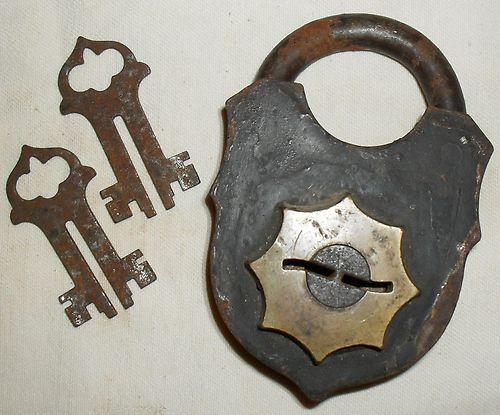 17 best images about locks on pinterest heart vintage and hardware. Black Bedroom Furniture Sets. Home Design Ideas