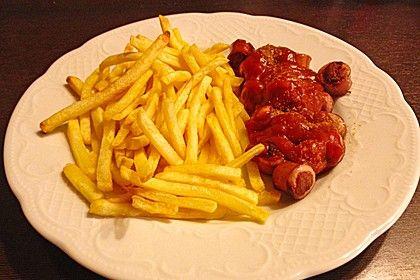 http://www.chefkoch.de/rezepte/304621110745012/Currysauce-fuer-Currywurst.html