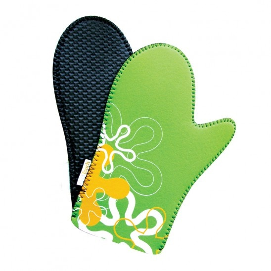 Cool Kitchen pair of design oven mitts