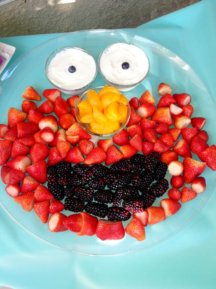 Elmo Fruit Platter For My Friend 39 S 2 Year Old Party Ideas Pinterest