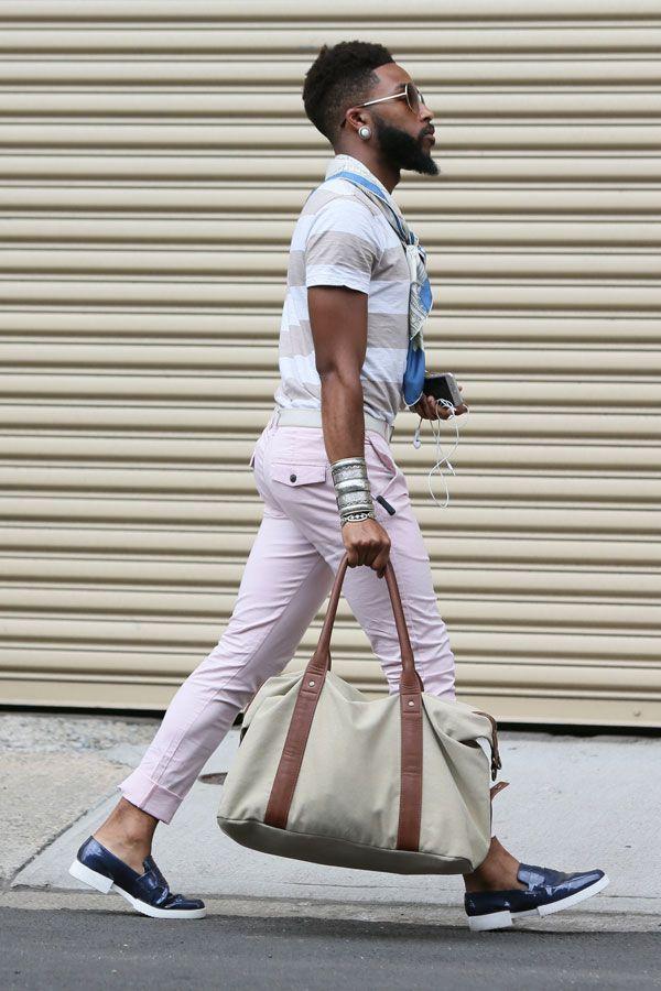 白ベージュボーダーポロシャツ×ピンクチノパン×ベイビーエナメルスリッポン