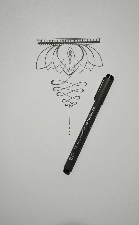 Die Symbolik des eine Lotusblüte und eine Unalome mit Tattoo-Design. Dieses Design war auf das Handgelenk, nicht Aufwickeln auf, aber auf der Ober- oder Unterarm Bauch liegend platziert werden soll. _______________________________________  Die Unalome ist eine Spirale, die häufig in einem Yant vorgestellten (Yant ist der thailändische Name für Yantra - einen Heiligen geometrischen Entwurf auf Stoff, Metall und Zement-Amulette - auch tätowiert, bekannt als Sak Yant verwendet) und die Krone…