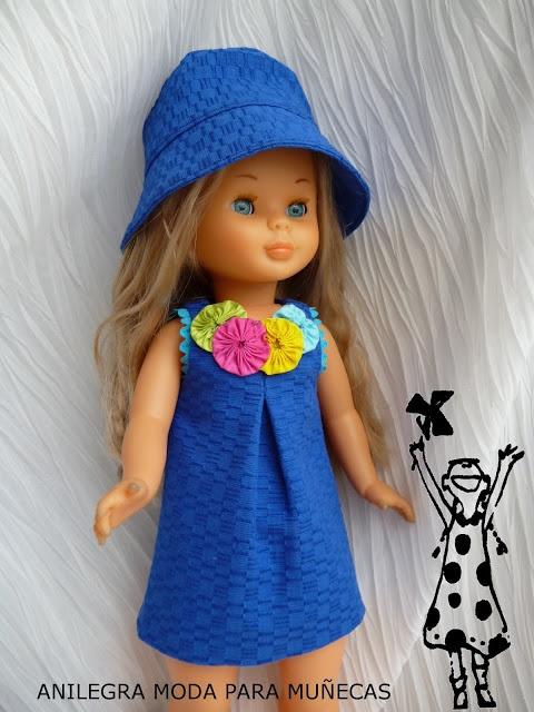 ANILEGRA COSE PARA NANCY: Piqué azul con adorno de rosetones