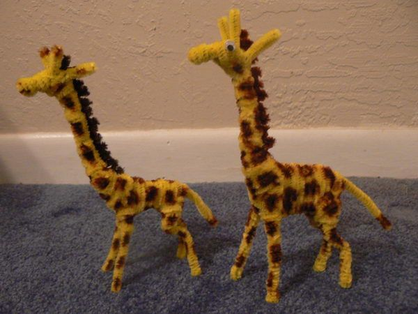 Giraffes - 50  Pipe Cleaner Animals for Kids, http://hative.com/pipe-cleaner-animals-for-kids/,
