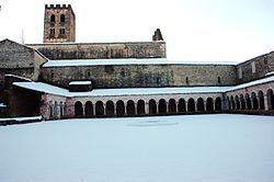 Claustre del monestir de Sant Miquel de Cuixà