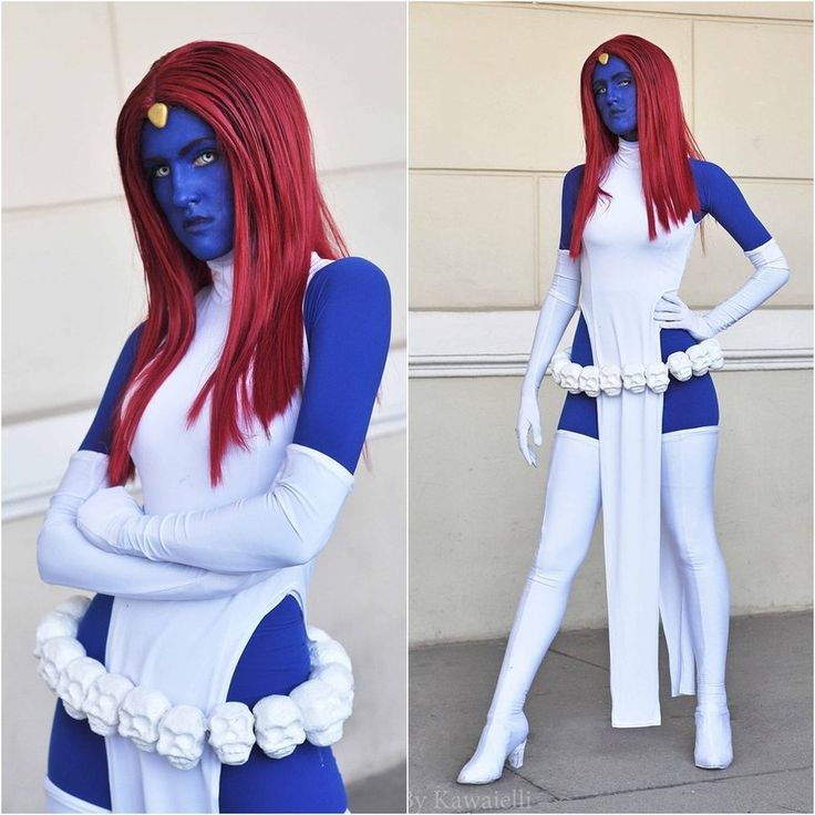 Mystique cosplay...that was smart of her to wear a blue bodysuit under the white clothing instead of all blue paint.